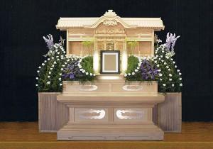 6号白木祭壇