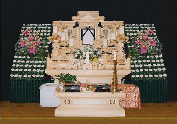 7号白木祭壇