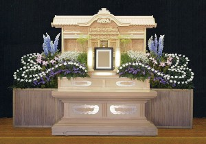 8号白木祭壇