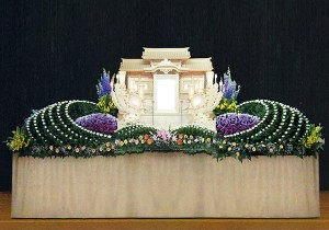 12号白木祭壇